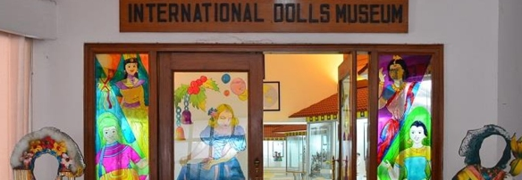 International-Dolls-Museum.jpg
