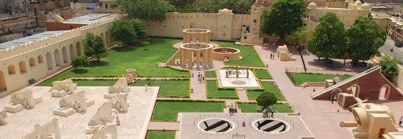 Jantar-Mantar-My-Taxi-India.jpg