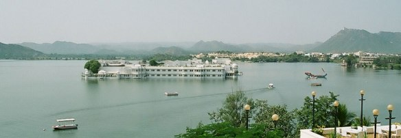 Lake-Pichola-My-Taxi-India.jpg