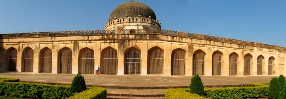 Sola Khamba-My-Taxi-India.jpg
